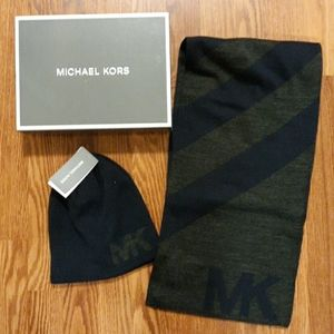 Mens MICHAEL KORS beanie hat and scarf set